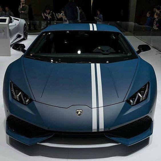 blue lambo with white racing stripe