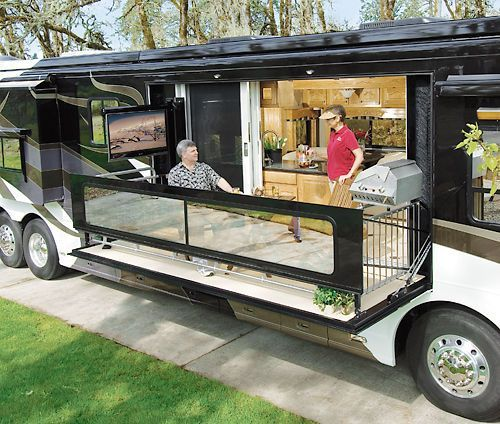 rv with entertainment bump out