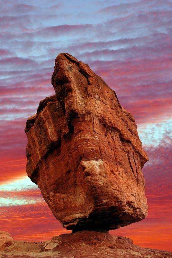 Balanced Rock in the Garden of the Gods - Colorado Springs - Colorado
