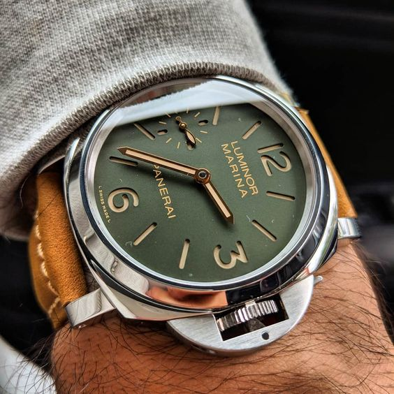 Panerai Luminor PAM911