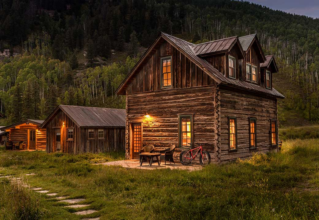 rustic and cozy cabin