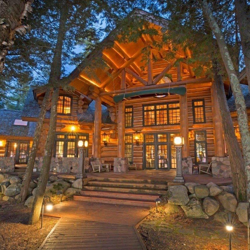 massive luxury cabin