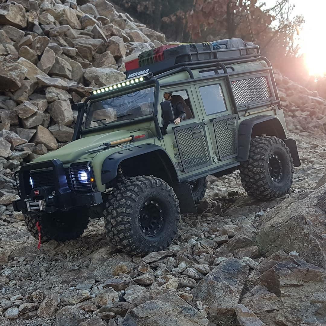 rugged jeep on the rocks