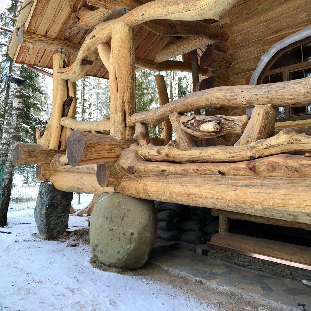 burly log cabin