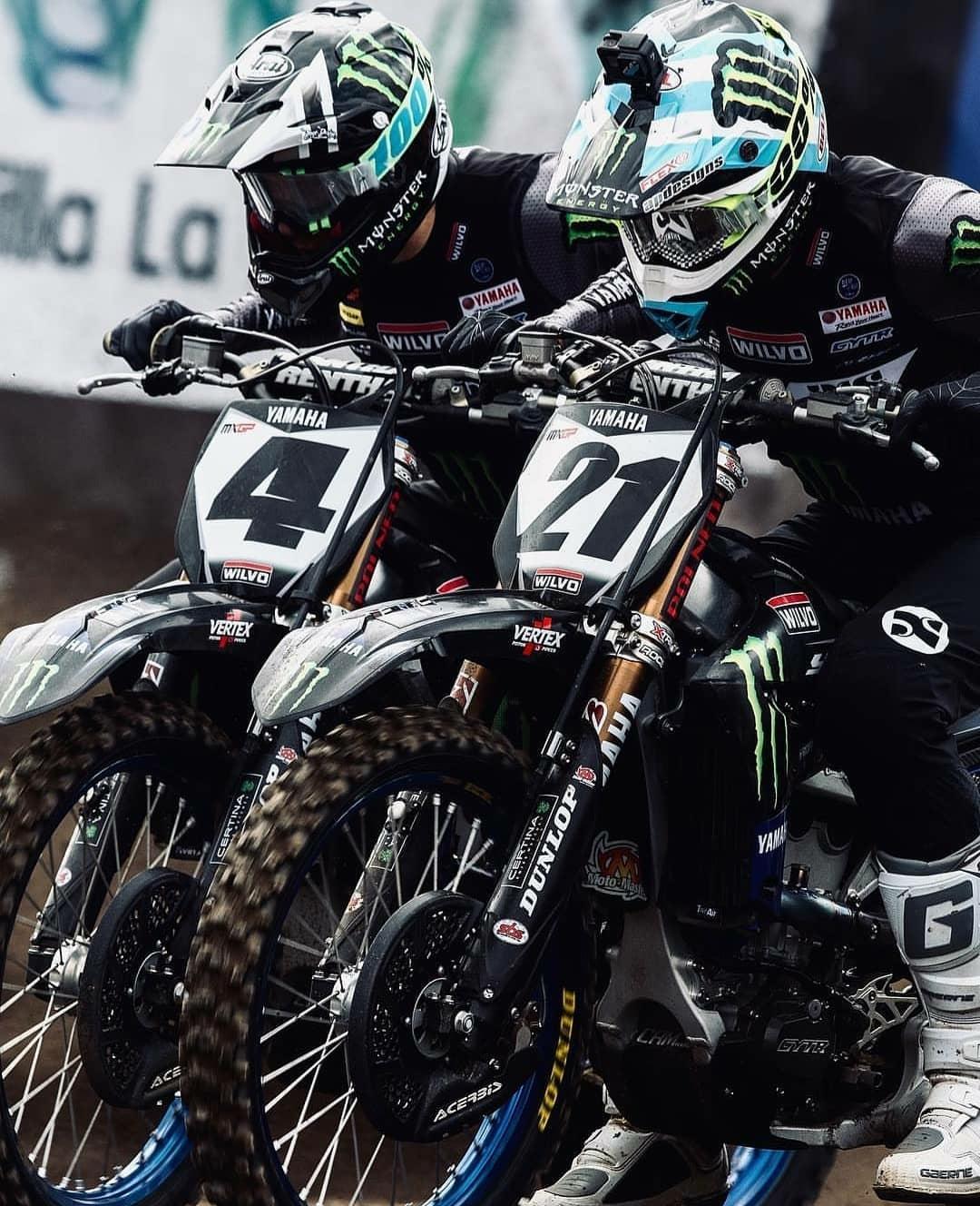 yamaha motocross racers side by side