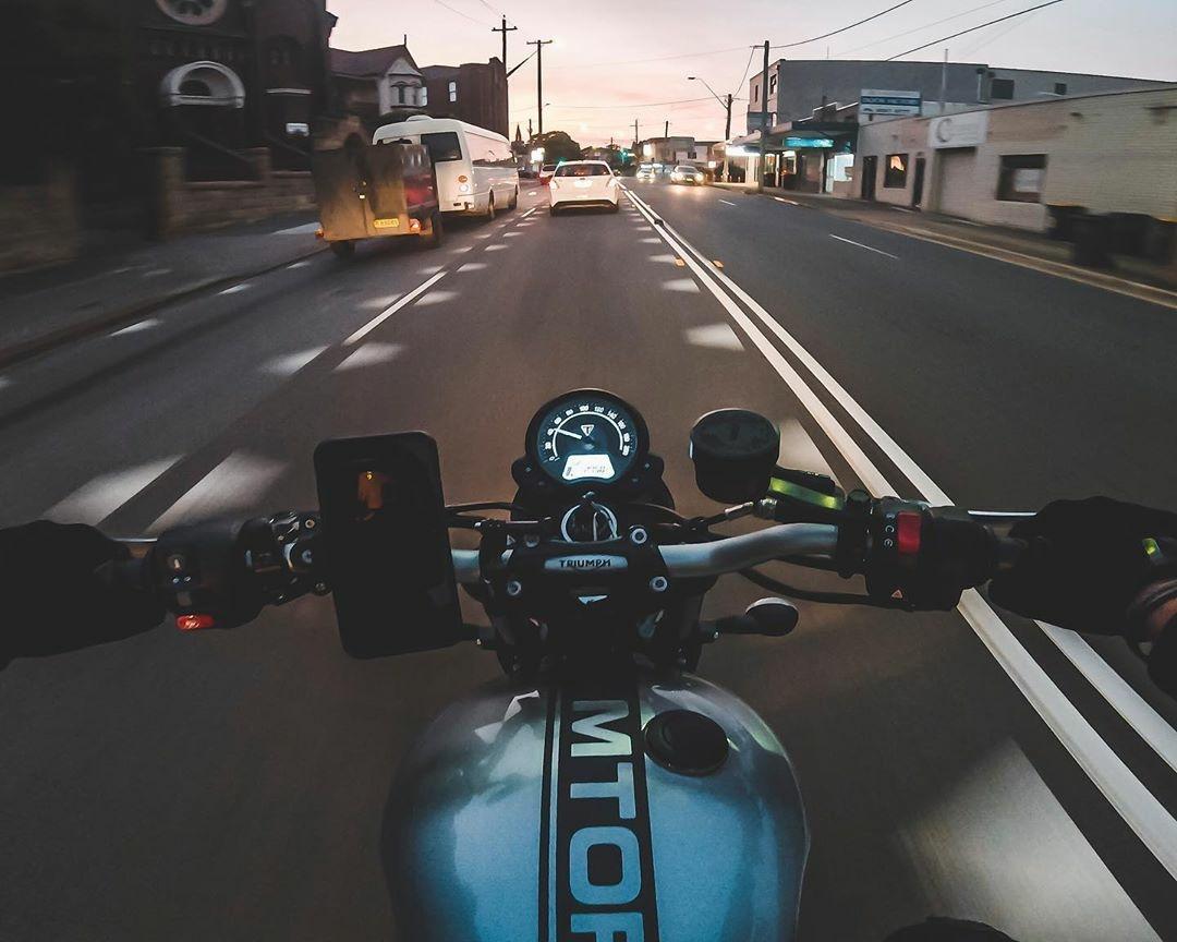 triumph motorcycle cruising