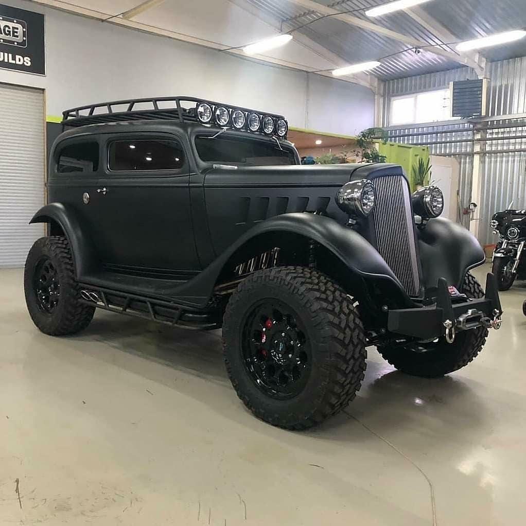 black custom 4x4