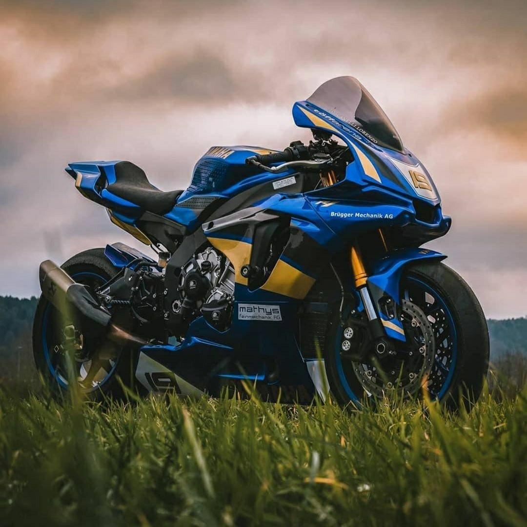 blue R1