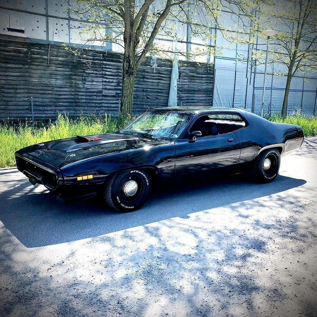 black 71 Road Runner